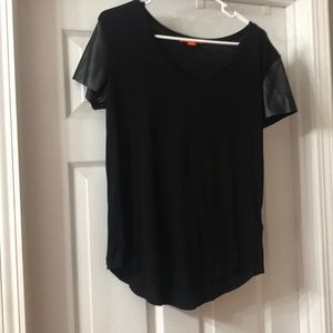 Leather sleeve T-shirt